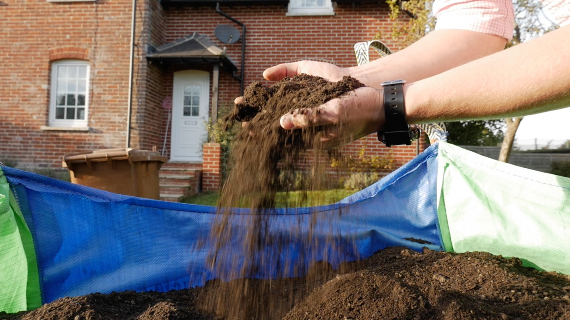 Earth Cycle Launches New Certified BS8601 Subsoil and Wildflower Topsoil